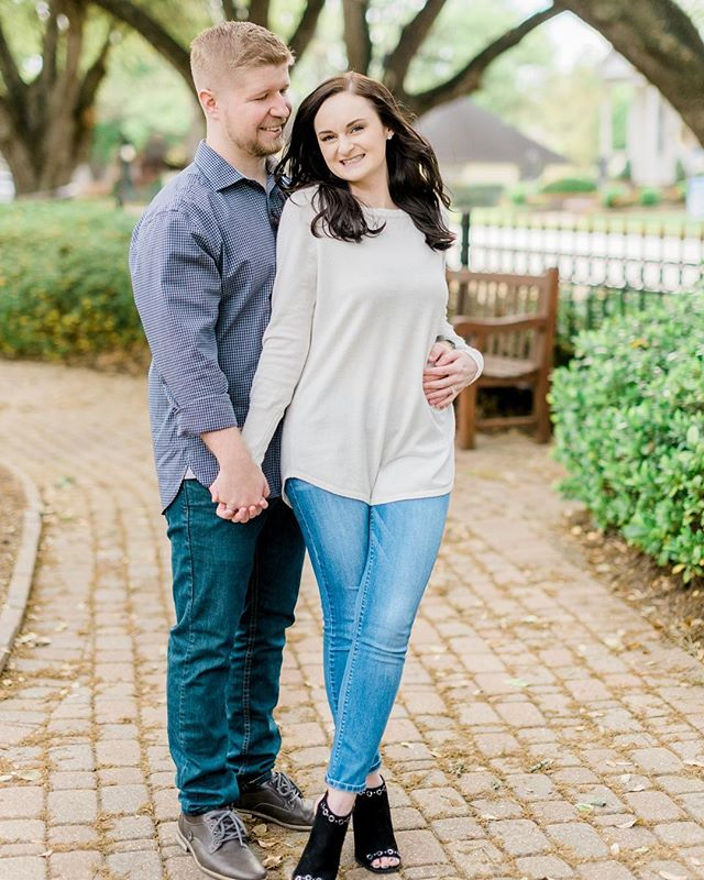 Springtime engagement sessions full of love and those beautiful new blooms are my absolute fav!! Only a month left before that heat hits hard! . . . . #houstonweddingphotographer #houstonengagementphotographer #unposed #wedhouston #weddingchicks #risingtidesociety #lookslikefilmweddings #belovedstories #chasinglight #mylifeinlove #portraitcollective #houstonbride #theknothouston #houstonbrides #houstonengagement #weddingsinhouston #austinweddingphotographer #couplesgoals #hillcountryweddings #goldenhour #helensgardens #springtime #romantic #fineartweddings #mastinlabs #fuji400h