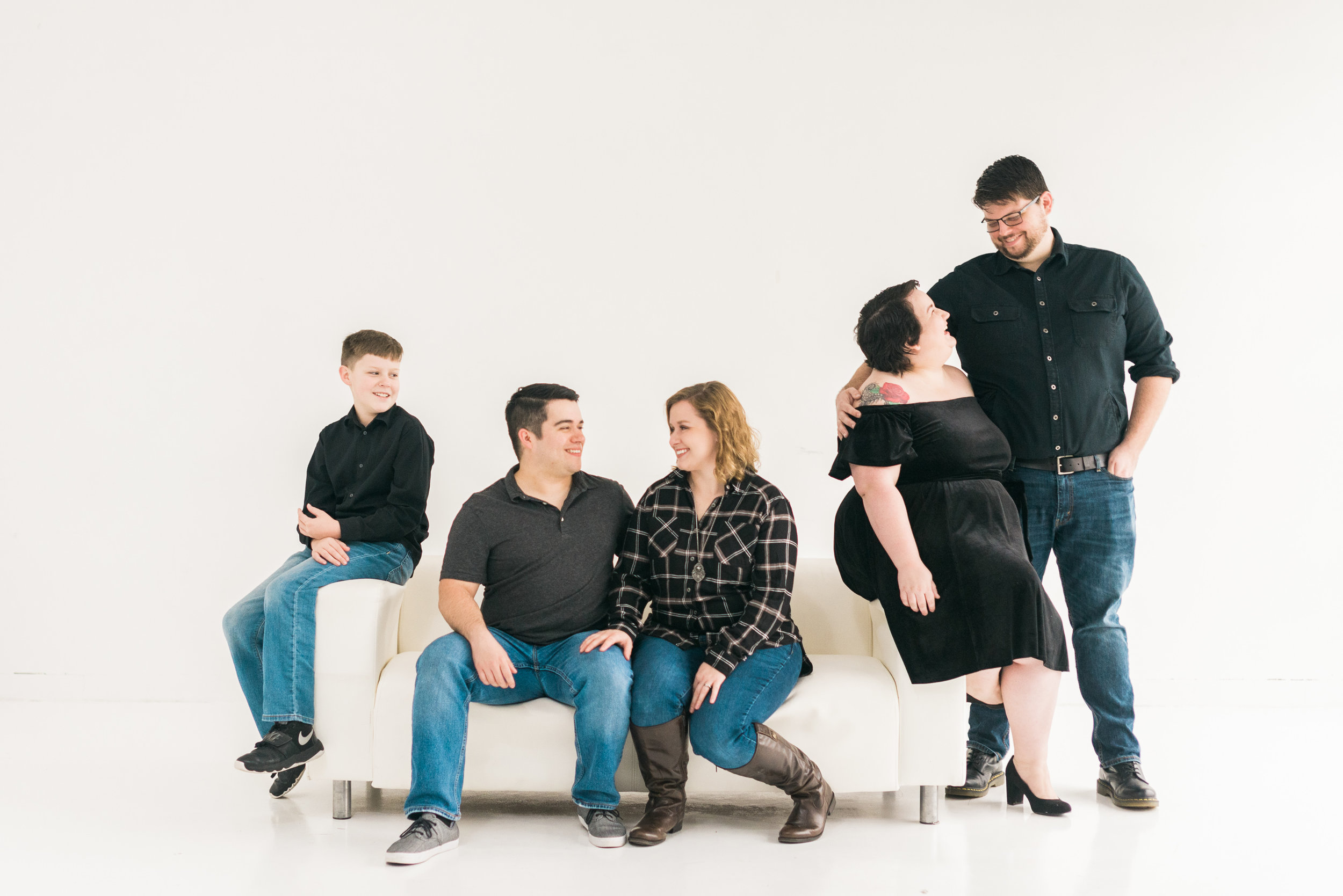 WhiteBackground_HoustonFamilyPortraitPhotographer_ModernStudio_FamilyPhotos8.jpg