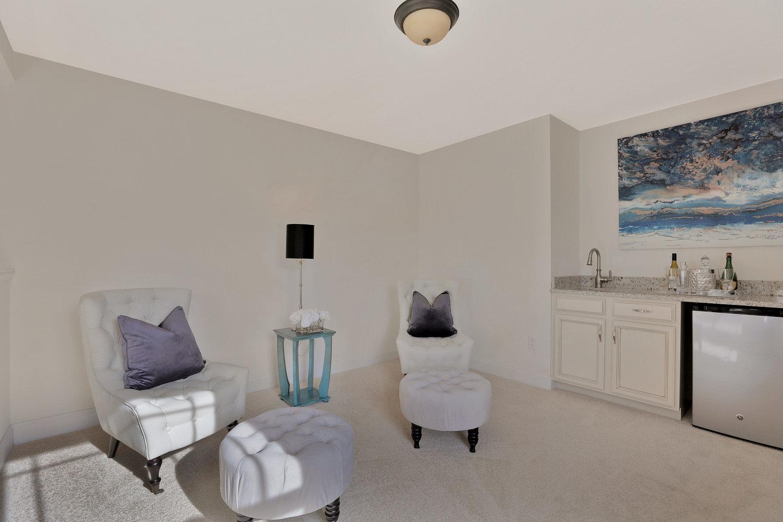 4505+Mary+Jane+Terrace+Glen-print-044-33-Master+Bedroom+Sitting+Room-4200x2800-300dpi.jpg