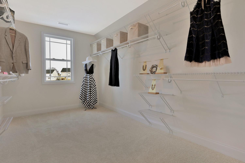 4505+Mary+Jane+Terrace+Glen-print-040-53-Master+Closet-4200x2800-300dpi.jpg