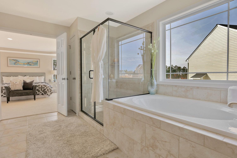 4505+Mary+Jane+Terrace+Glen-print-039-70-Master+Bath-4200x2800-300dpi.jpg