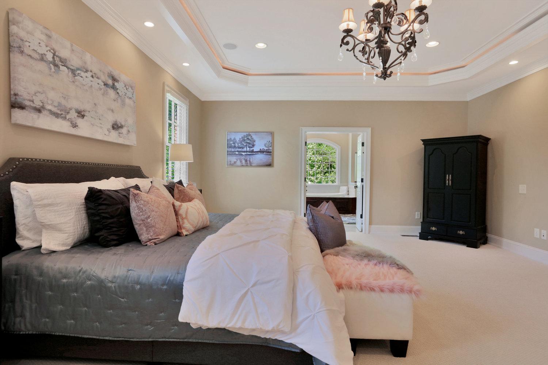1004+Middle+Quarter+Ct-print-032-28-Master+Bedroom-4200x2800-300dpi.jpg