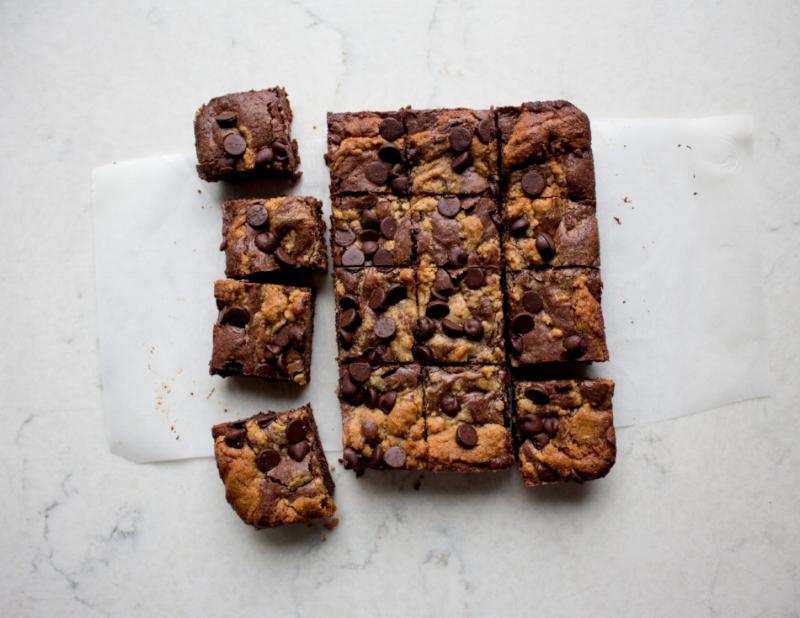 peanut butter swirl brownies-6.jpg