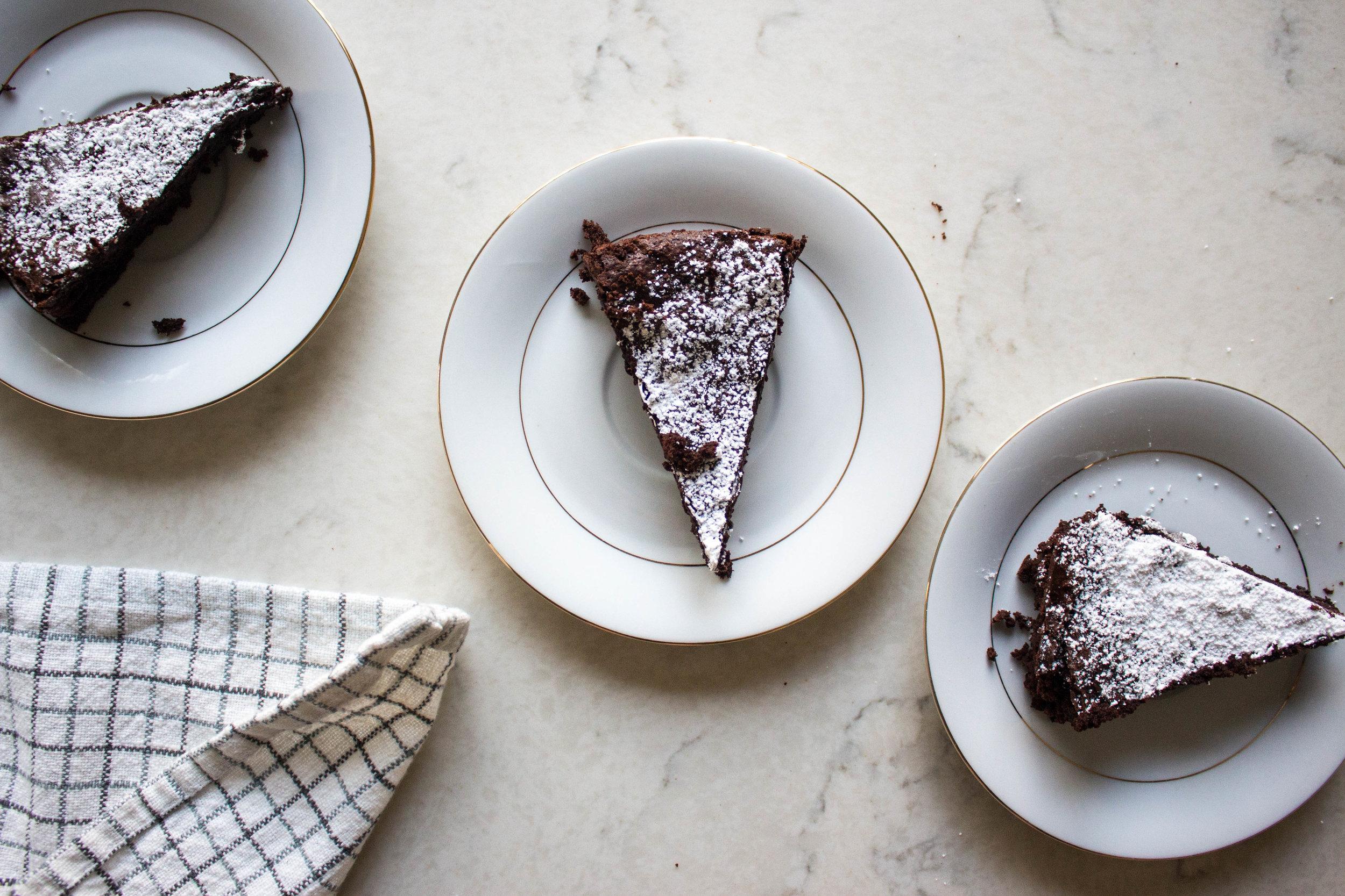flourless chocolate cake-9.jpg