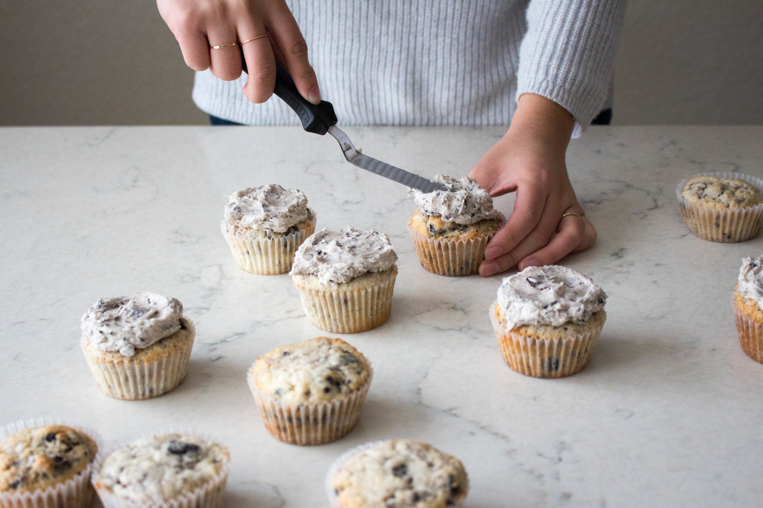 cookies and cream cupcakes-9.jpg