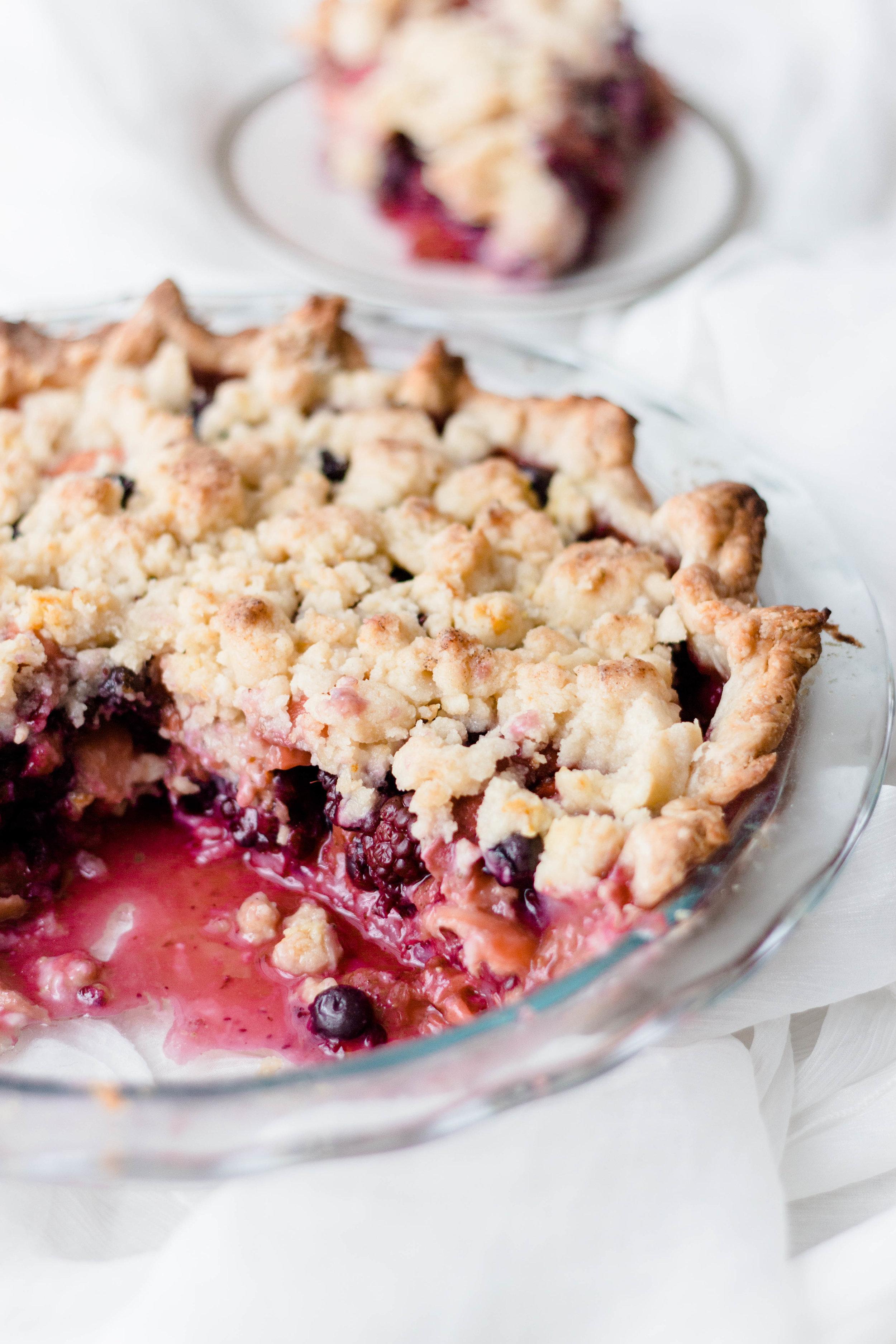 berry peach crumb pie-22.jpg