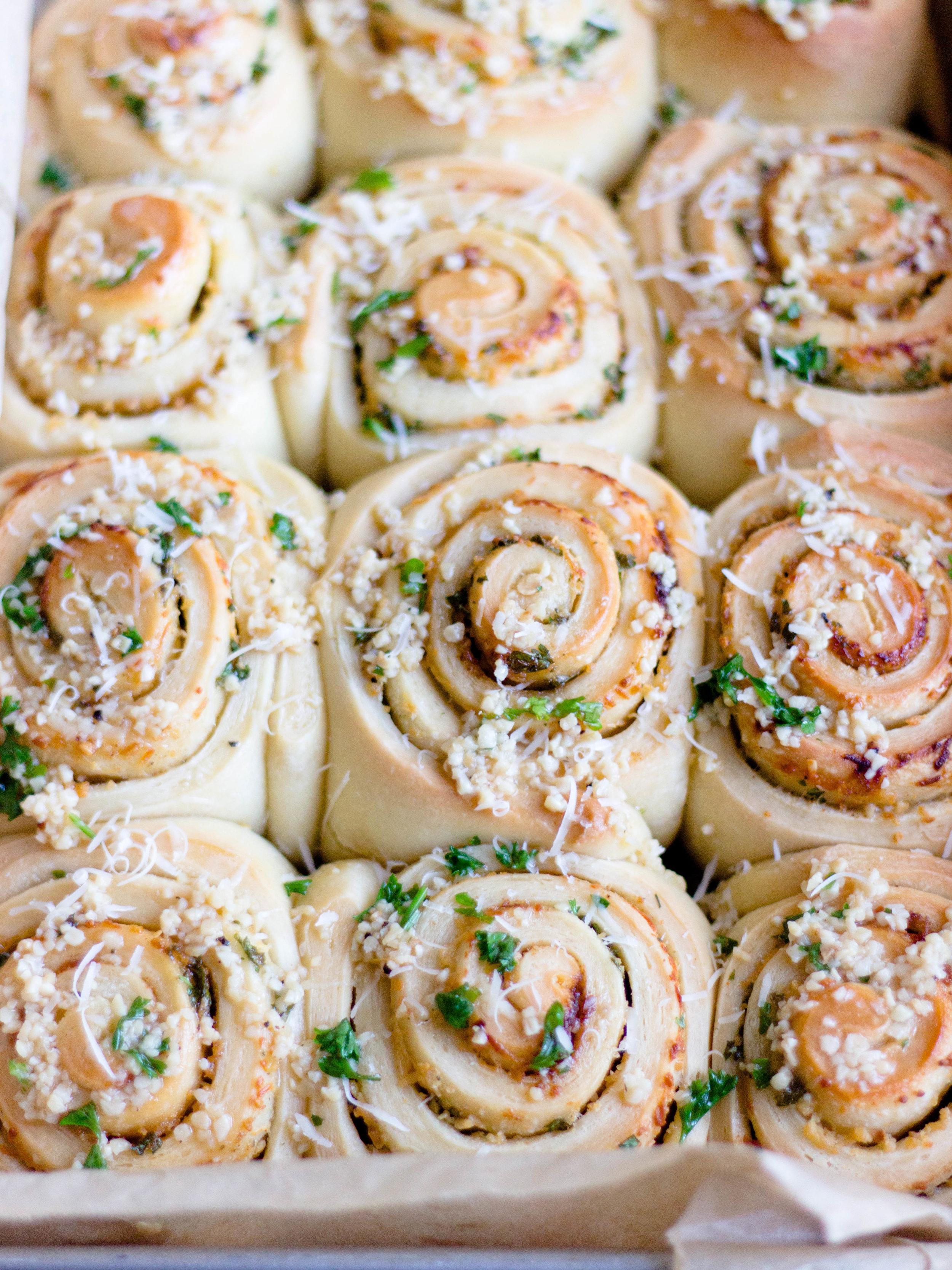 garlic parm rolls-10.jpg