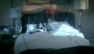 Olivia-Popes-apartment-on-Scandal-bedroom-300x173.jpg