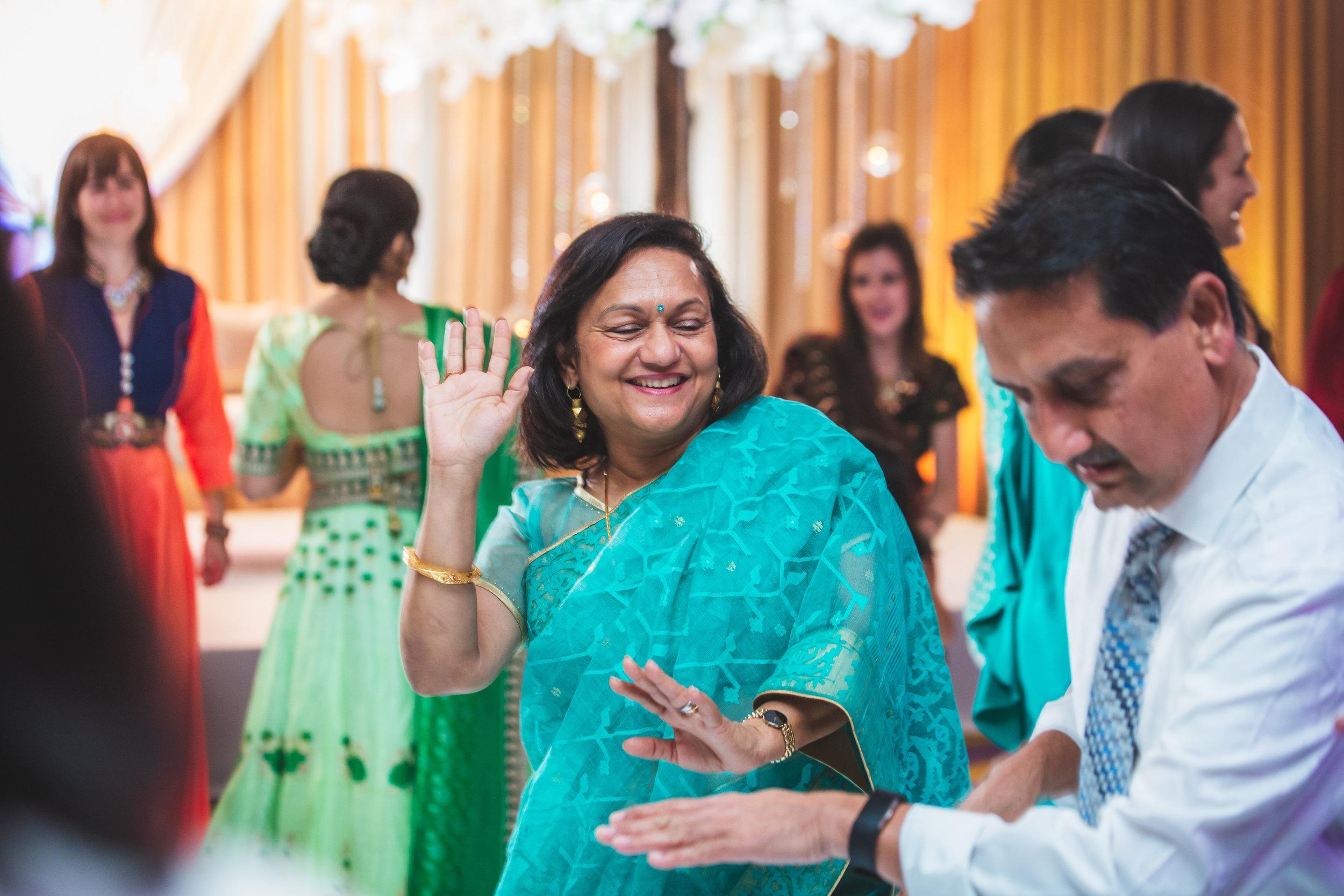 02-Setu-Shivam-Dancing-15.jpg