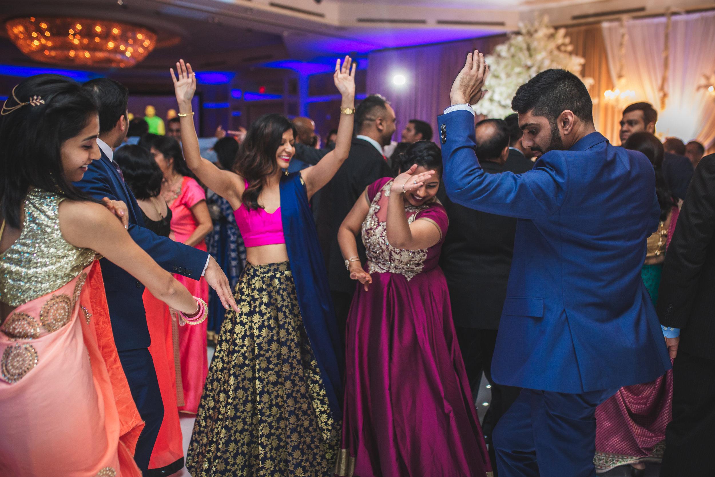 02-Setu-Shivam-Dancing-58.jpg