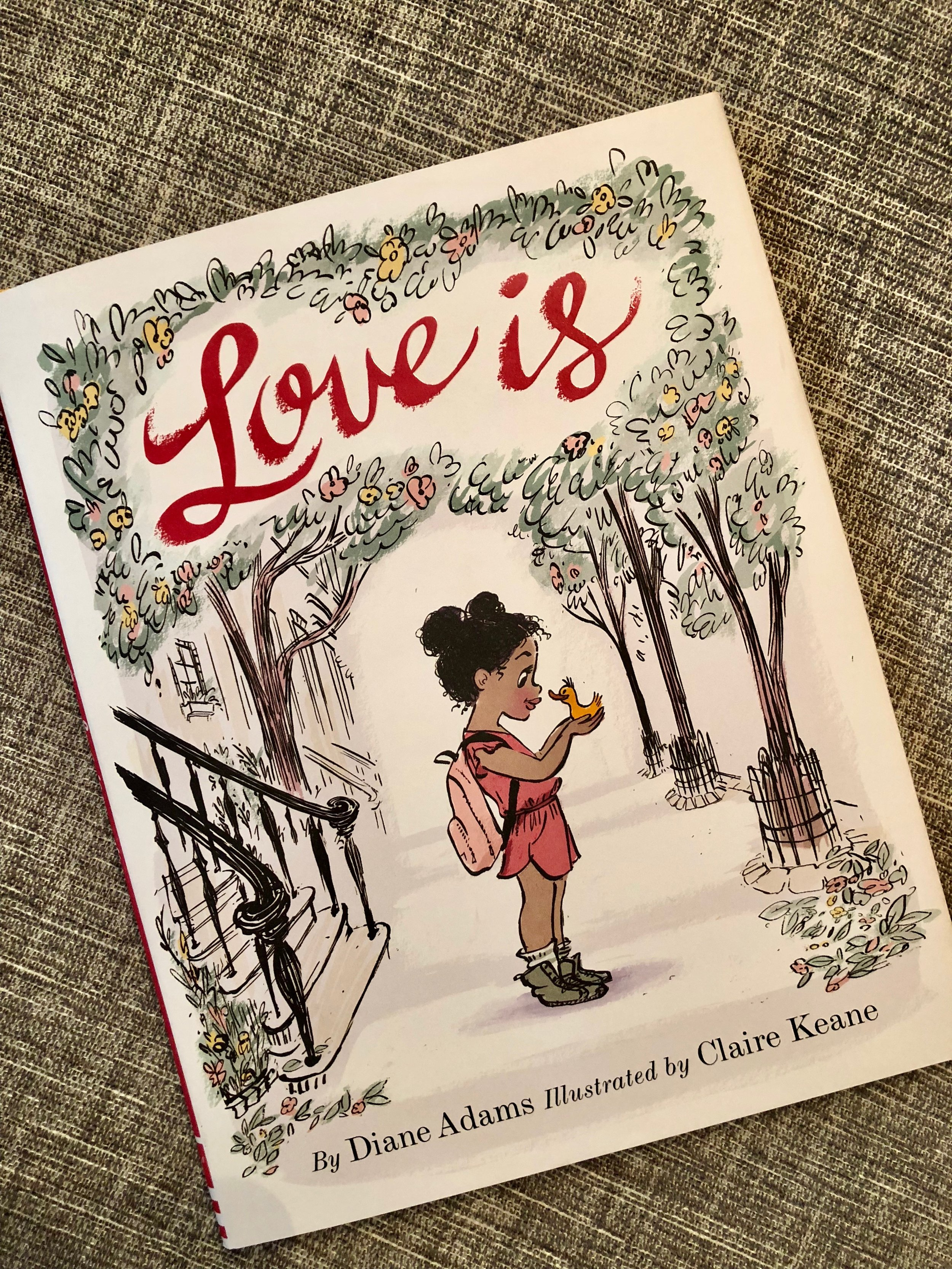 Again, the illustrations are to die for! Sophisticated and stylish but so appropriate for kids. Reminds me a little bit of the original, first Amelia Bedelia book!