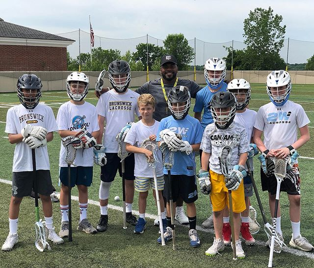 Shout out to the legend @trevorbaptiste9 for coaching up the FO game with our @2waylacrosse players. Amazing player, coach and mentor. #2wlacrosse #2waylacrosse #lacrosse #lax