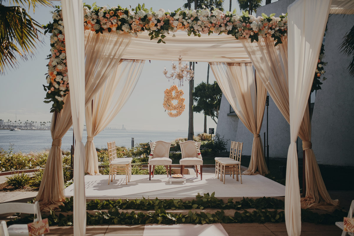 2 garden-inspired-wedding-altar.jpg