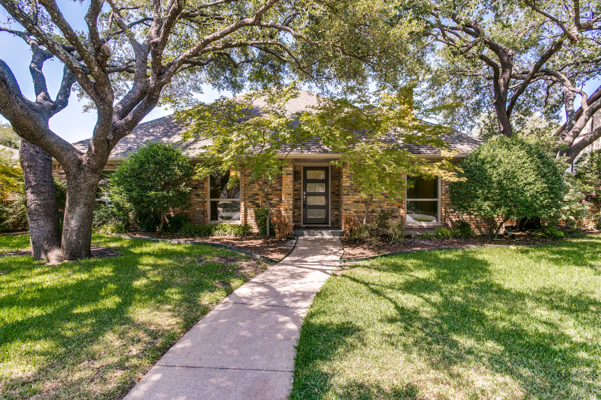 9035 Maguires Bridge, Dallas