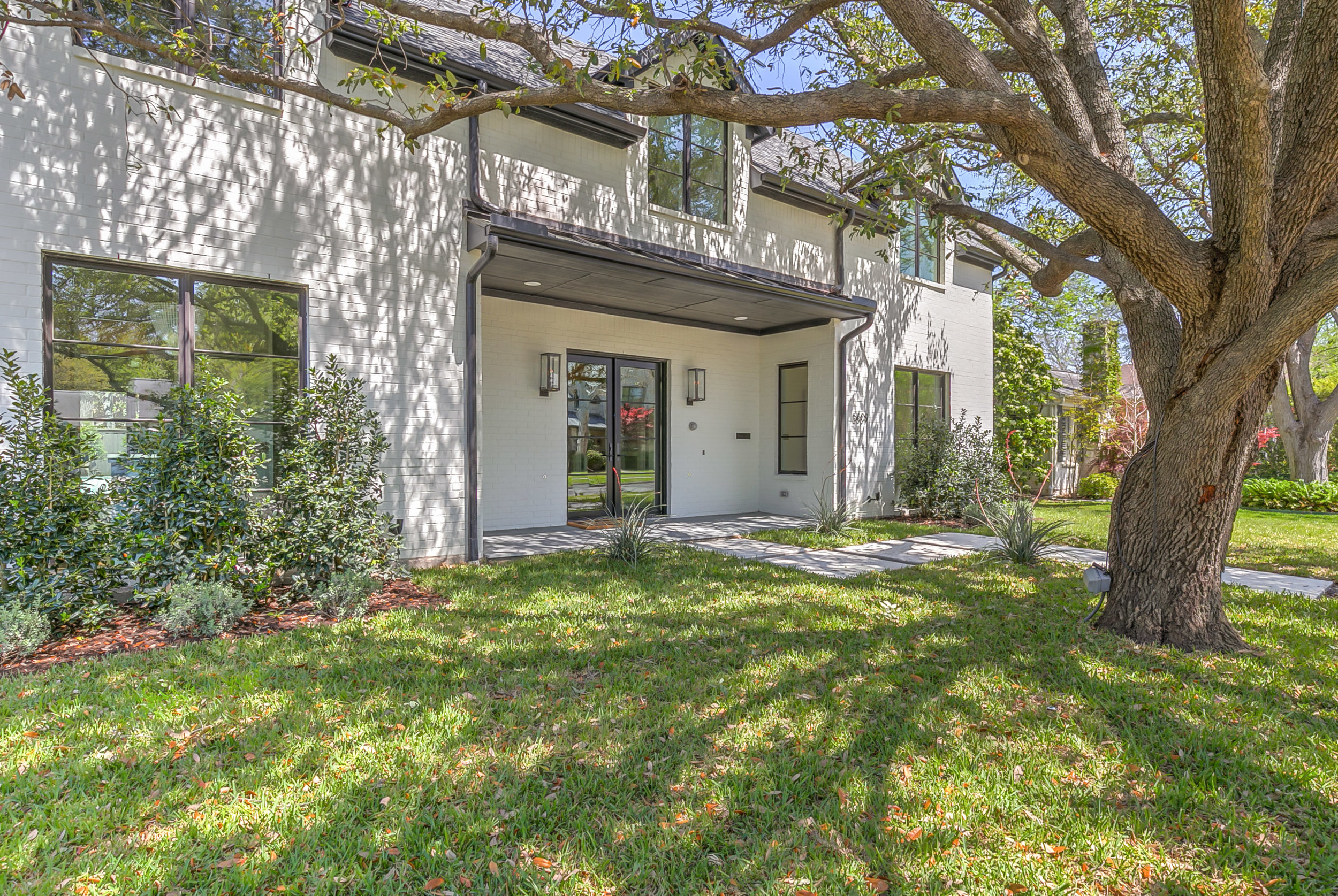 5609 Southwestern, Dallas