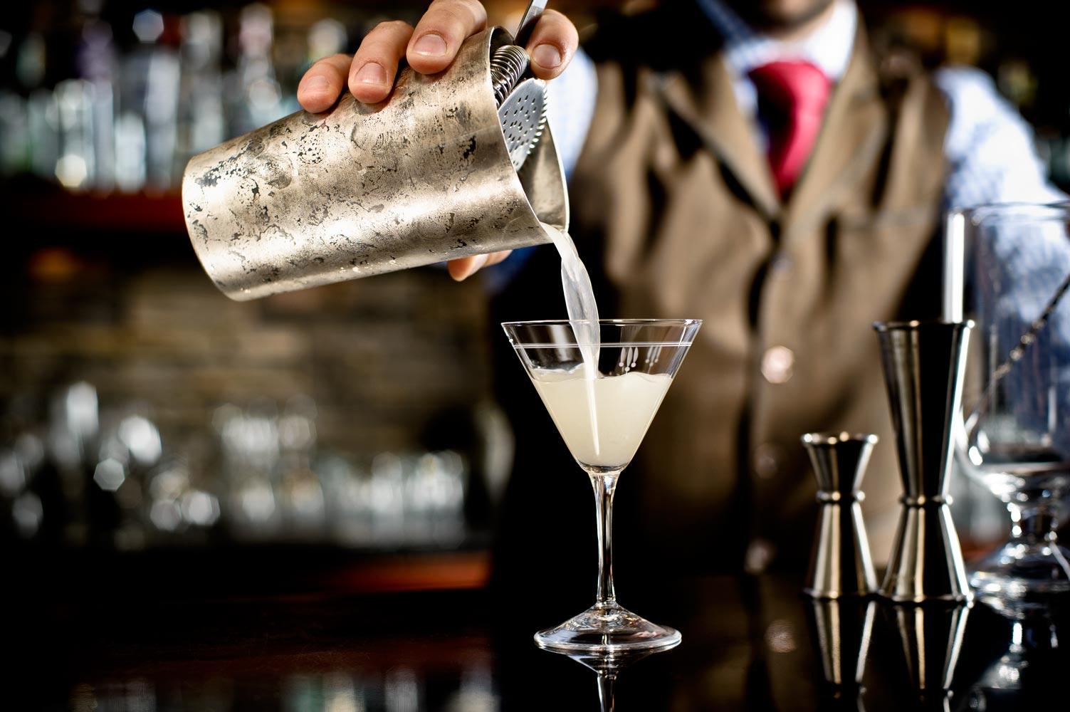 cocktail-pour.jpg