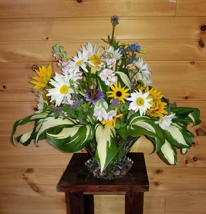 An arrangement donated for the occasion by Specialty Cut Flowers. Thank you, Loretta Blancato!