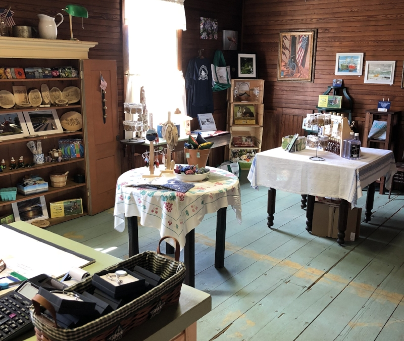The  Country Store at Canton Historical Society  features items from our talented local artists and artisans, as well as New England made gift items.