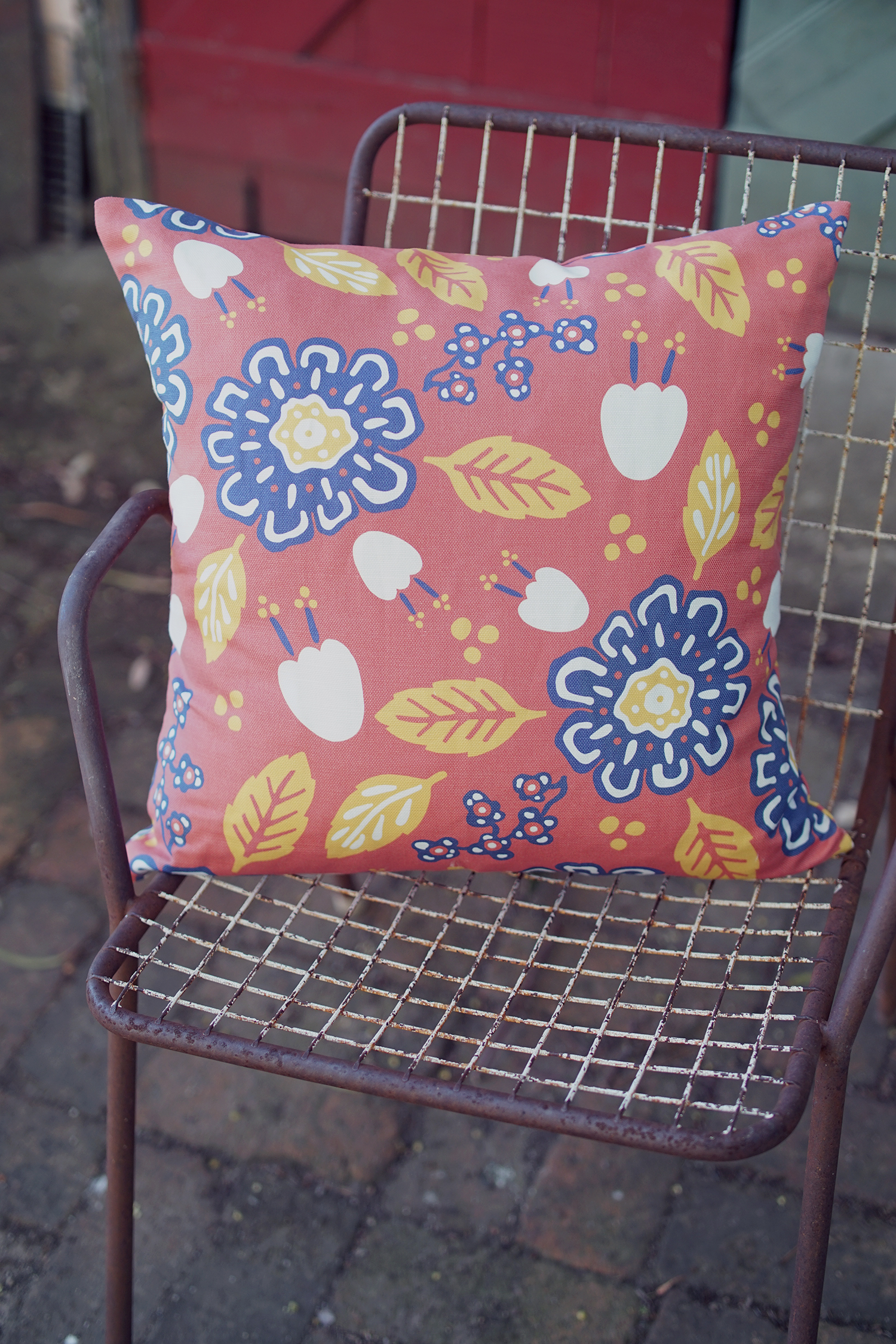 KESÄ CUSHION COVER - BURNT RED - Welcome a piece of Finnish-inspired warmth into your world with our Kesä Cushion Cover in Burnt Red. Made from a natural cotton/linen blend, it will add an eye-catching burst of colour to any home or office setting.