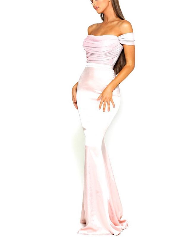 Get glam at PROM💖 Come find your dream dress  #BESTDRESSED • • • #dresscode #mood #prom #mood #inspo #dresspo #pageant #glitz #glam #beauty #style #missusa #missteenusa #terani #teranicouture #promfashion #dresses #sparkle #missuniverse #dress #promfashion #glamour #allure #dresses #promseason #portiaandscarlett #australianfashion