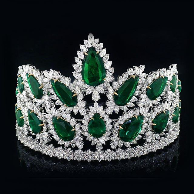 Introducing the 2019 Miss World America crown 👑. Truly fit for a Queen 👸It all starts here and Dress Code is the official HQ for Miss/Teen World Massachusetts.  We are currently accepting applications for our state pageant July 14 2019.  No experience necessary.. just amazing opportunities. For more information and to submit your on line application visit us at www.missworld-Massachusetts.com