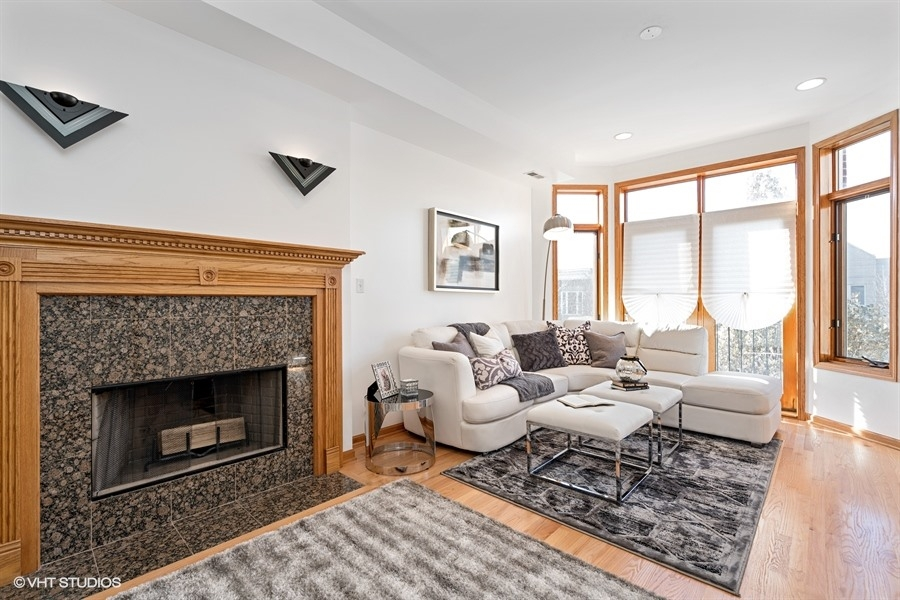 4529 S St. Lawrence Ave Unit 2 - $249,000 (SOLD)