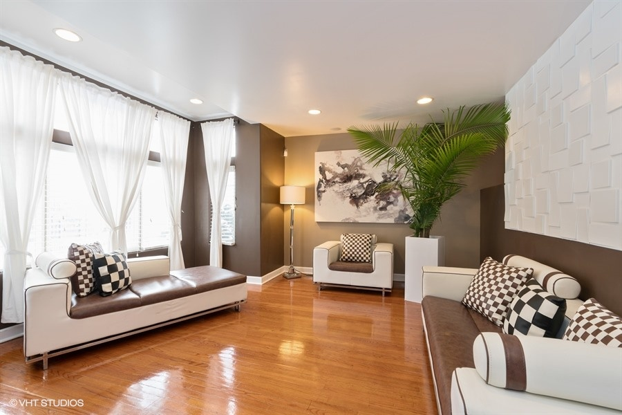 4236 S Langley Ave - $495,000 (SOLD)
