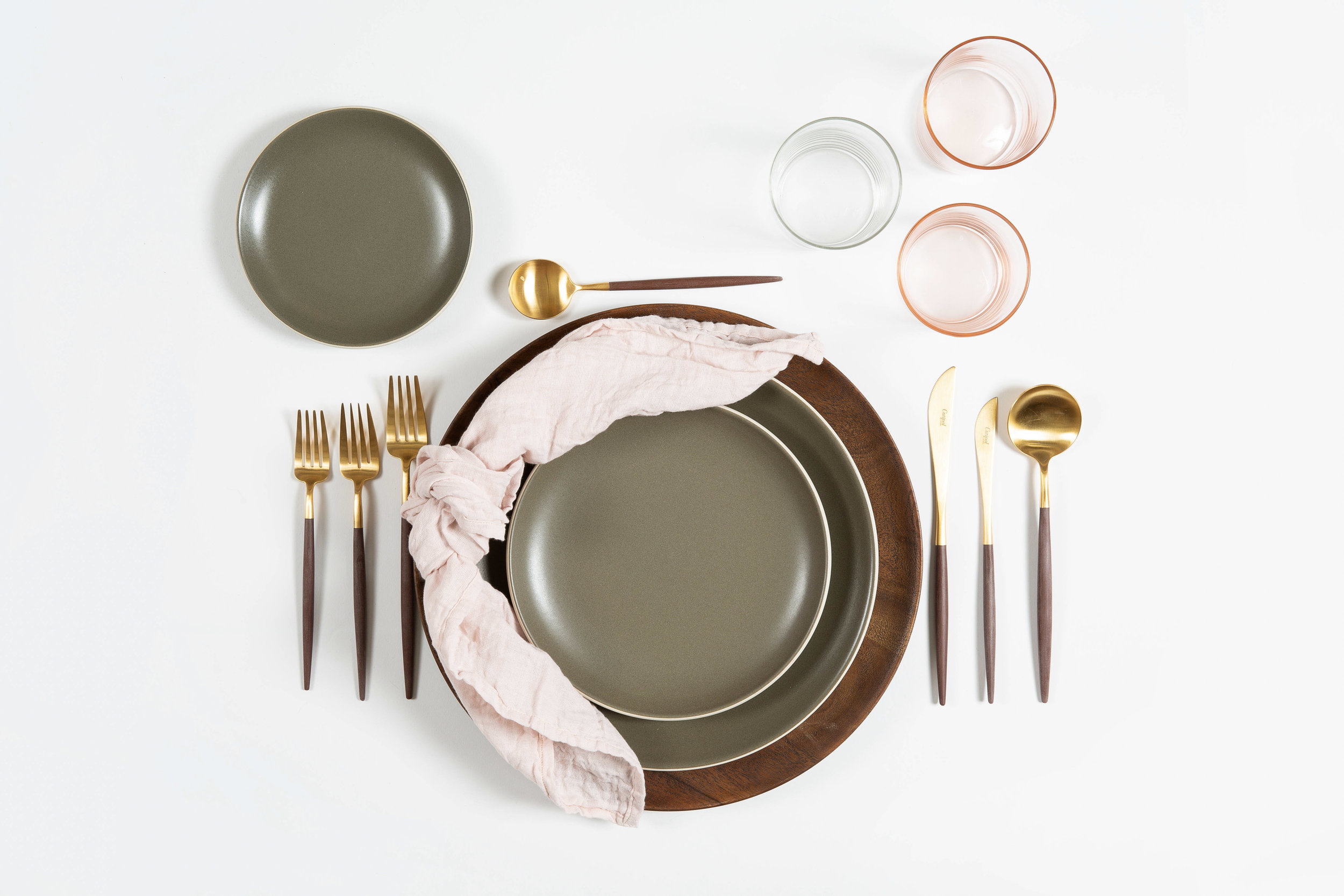 xowyo and co. - Luxury tabletop rentals