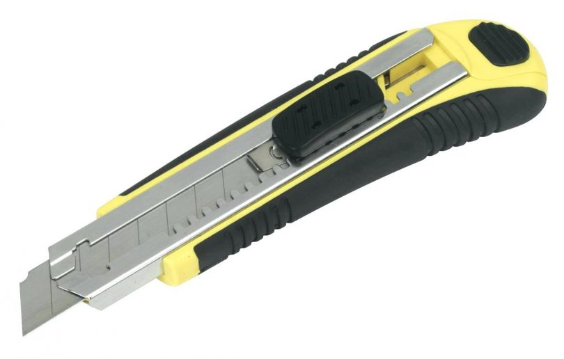 cake-cutting-knife-sealey-ak8610r-snap-off-knife-self-loading-retractable-heavy-duty-best-exacto-knife-810x516.jpg