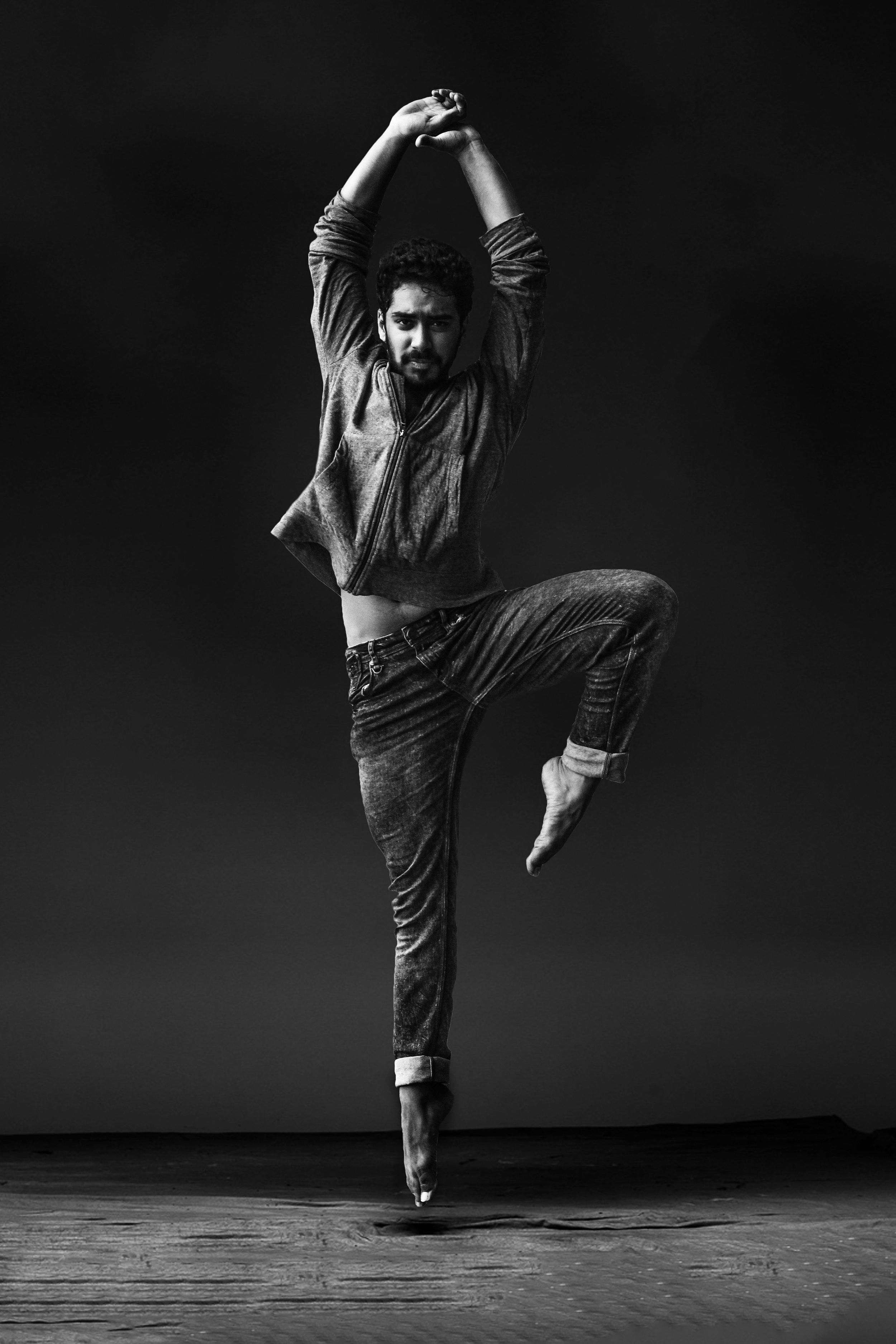 balance-ballet-dancer-ballet-dancers-1701209.jpg
