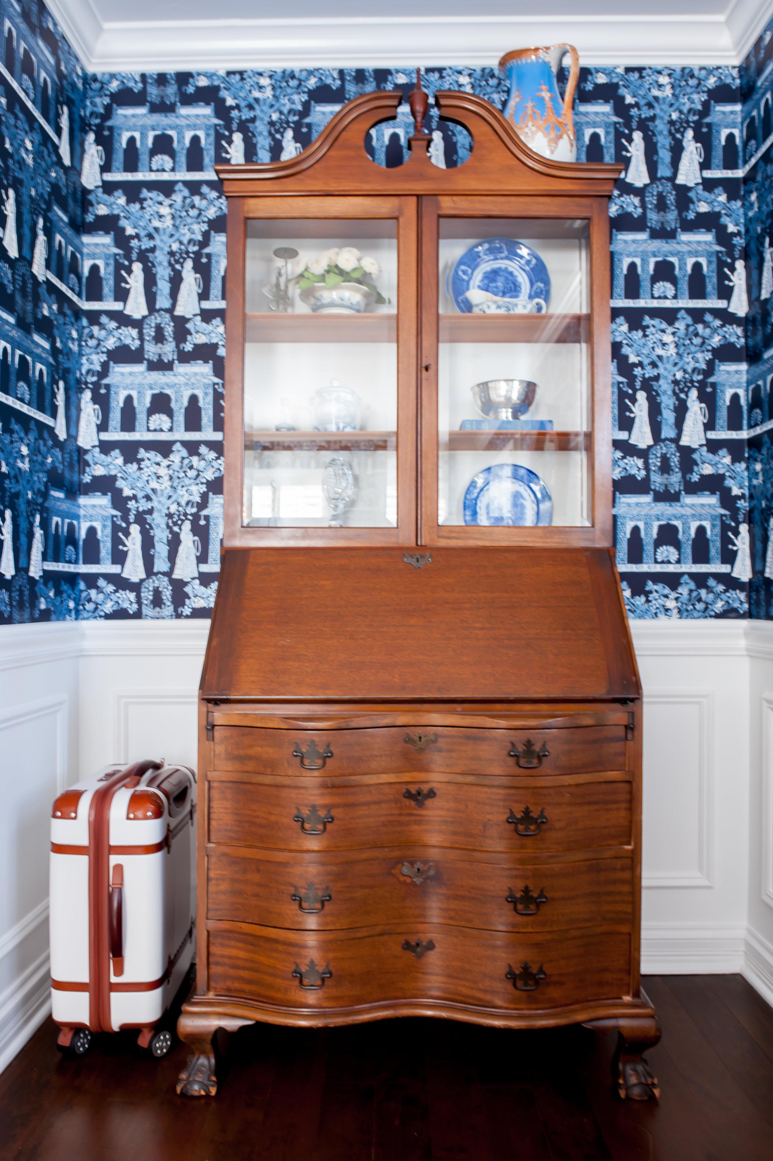 blue and white wallpaper.jpg