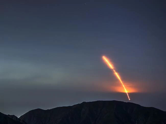 The Mars Insight probe launches from Vandenberg air force Base, as seen from the San Gabriel Mountains more than 160 kilometres away. Picture: AFP Source:AFP