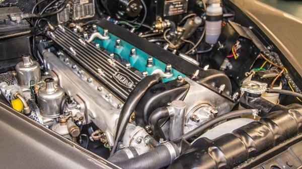 automobielbedrijf-theo-koelman-restauratie-jaguar