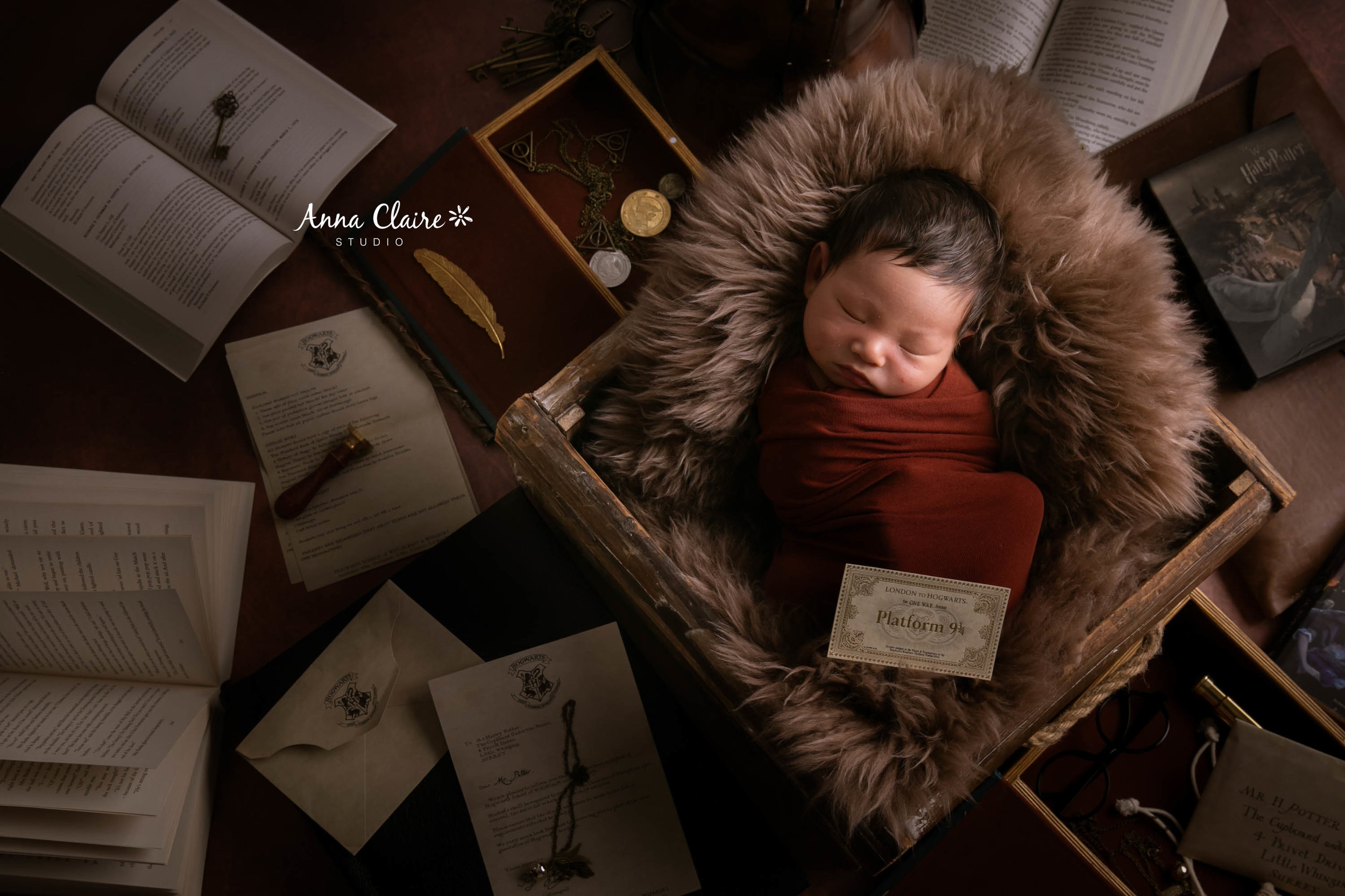 newborn photo by AnnaClaire Studio