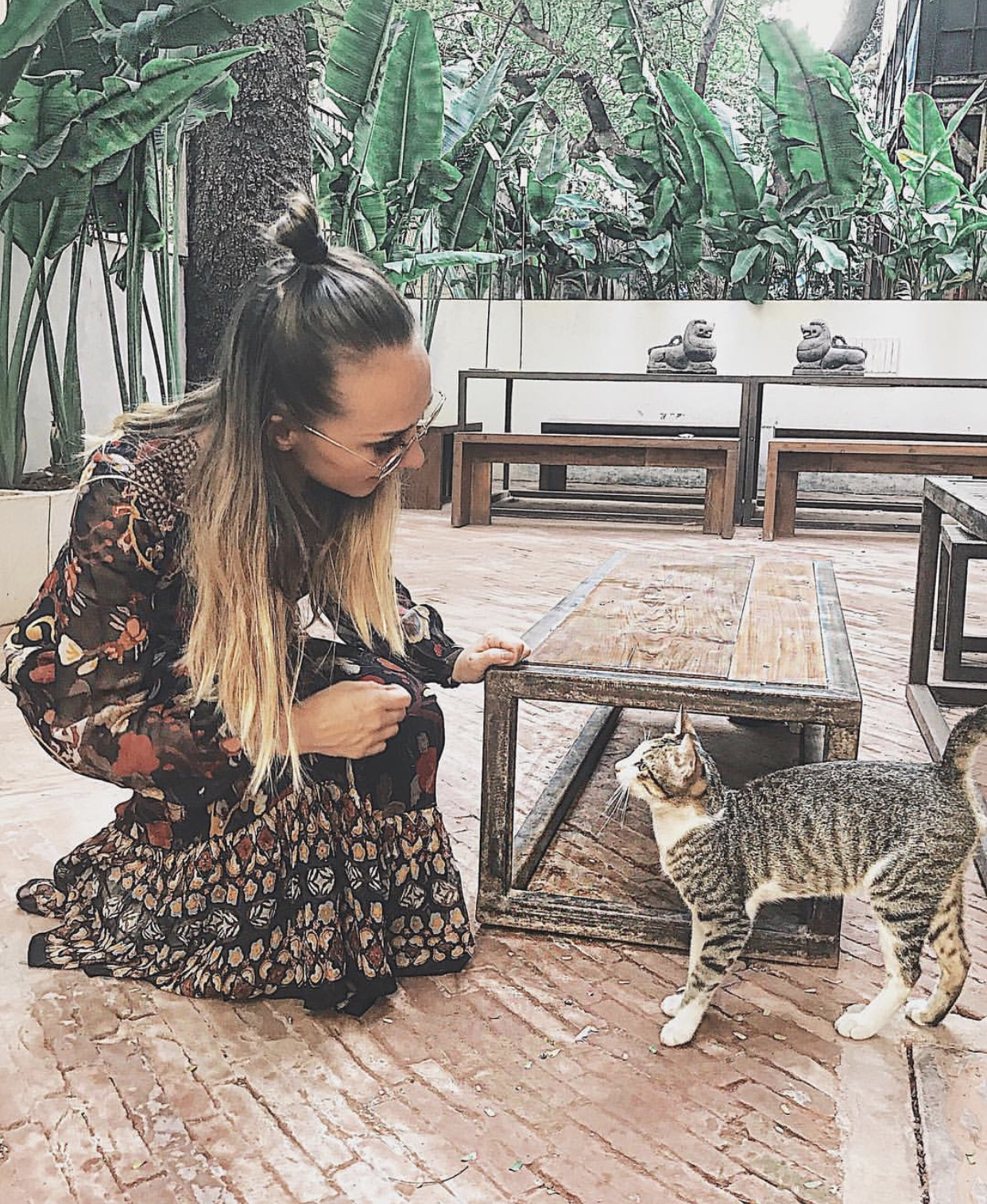 Making new friends in Colaba