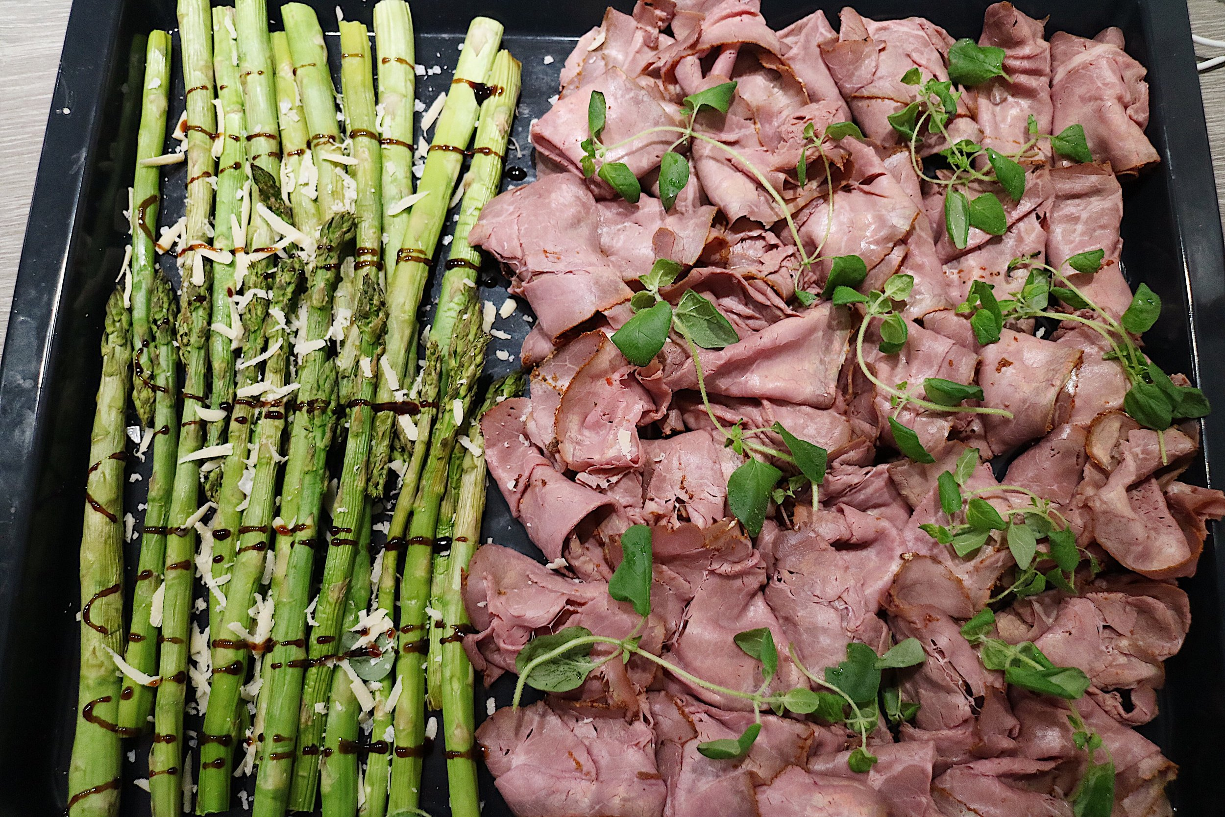 Rosted organic grass fed beef with asparagus, vegan parmesan and balsamico