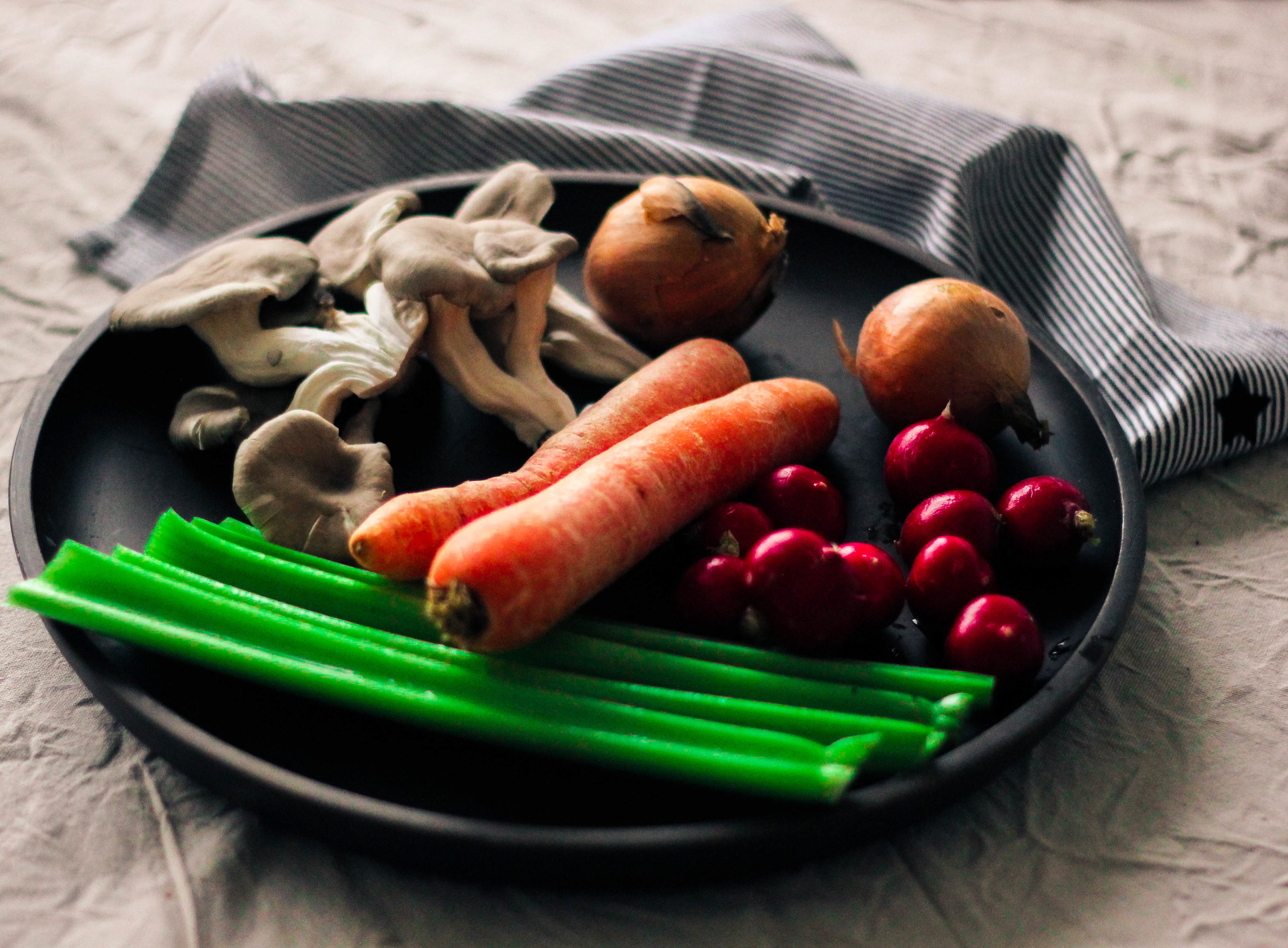 Healthy detox and natural cleanse vegetable broth Photo Linda Haggh.jpg