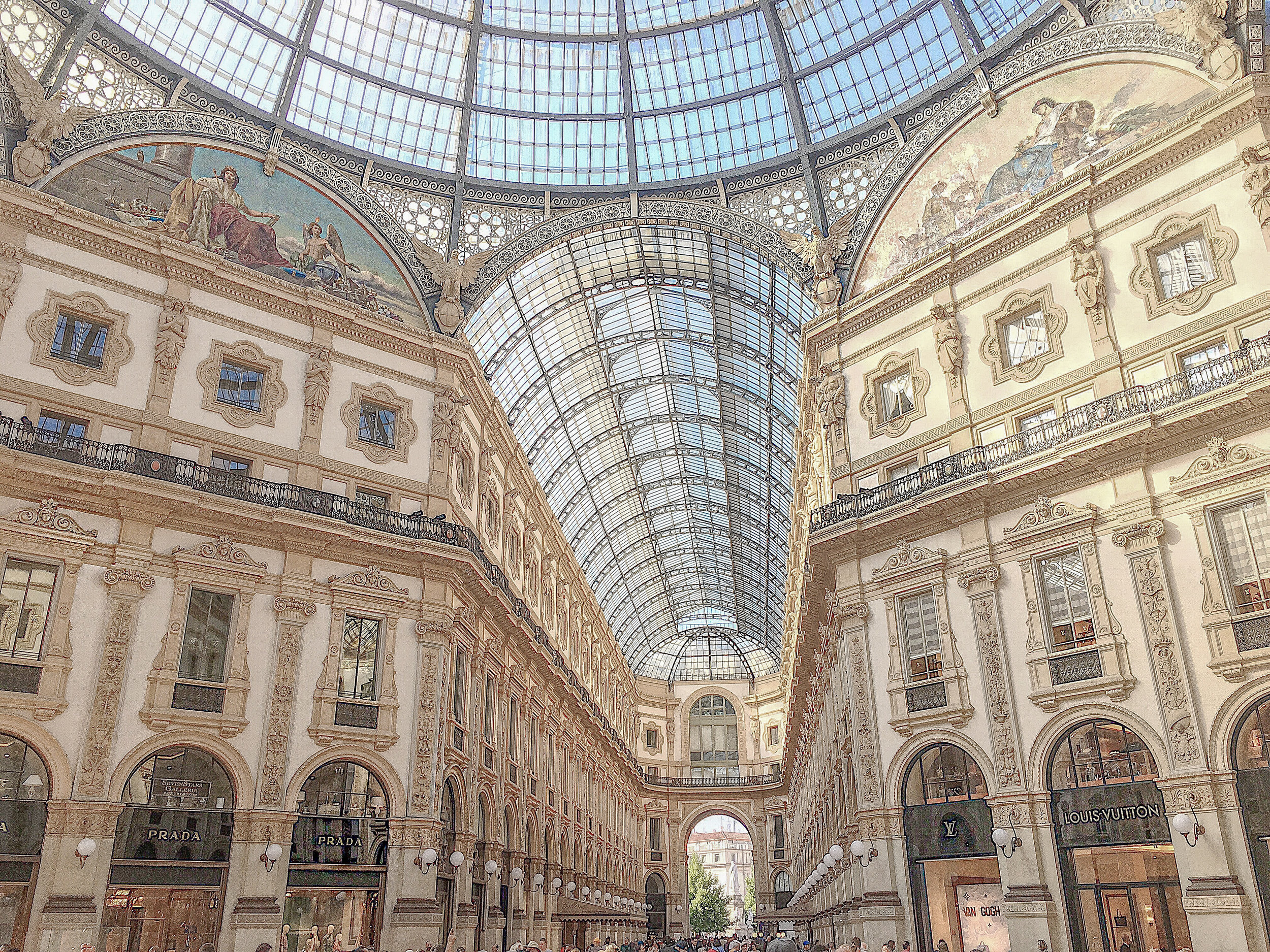 Shopping galleria Milan Photo by Linda Haggh.jpg