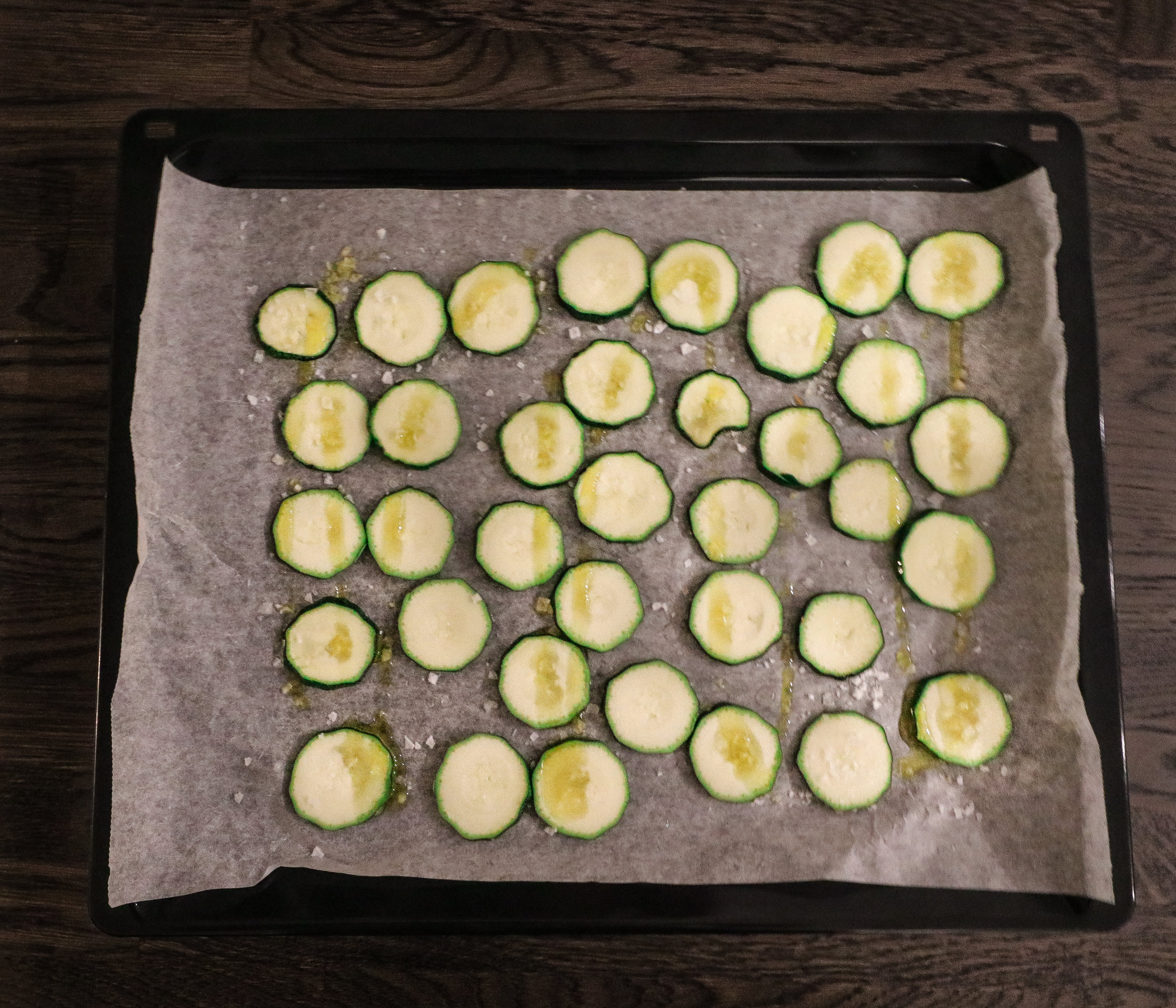 Baked zucchini chips Photo by Linda Haggh.jpg