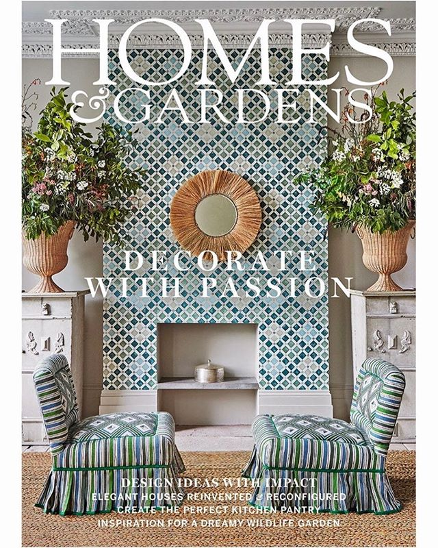 Thrilled to have produced the @homesandgardensuk September cover story beautifully photographed by @janbaldwin Wallpaper @cole_and_son Chair fabric @christopher-farr-cloth Wicker urns @ateliervimes Pedestals @lorfordsantiques Stunning flowers by @philippacraddock Rush mat @rushmatters Mirror @grahamandgreen