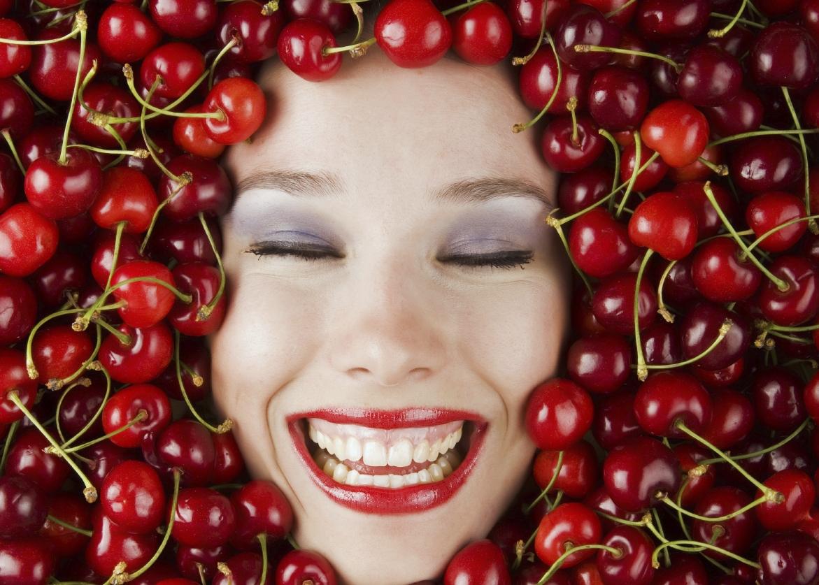 CherryGirl-iStock_000010360586Medium.jpg