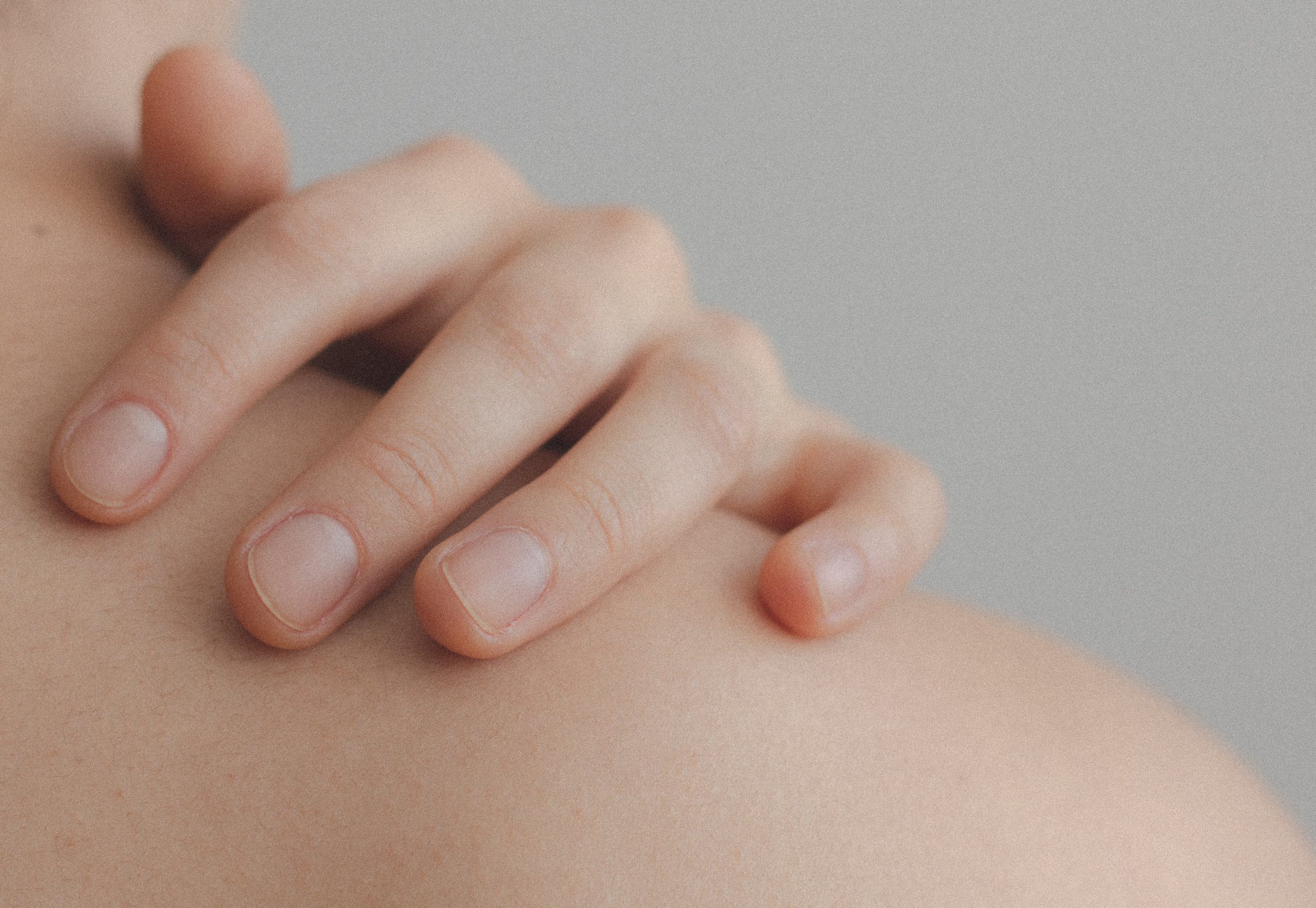 close-up-hand-nude-1727200.jpg