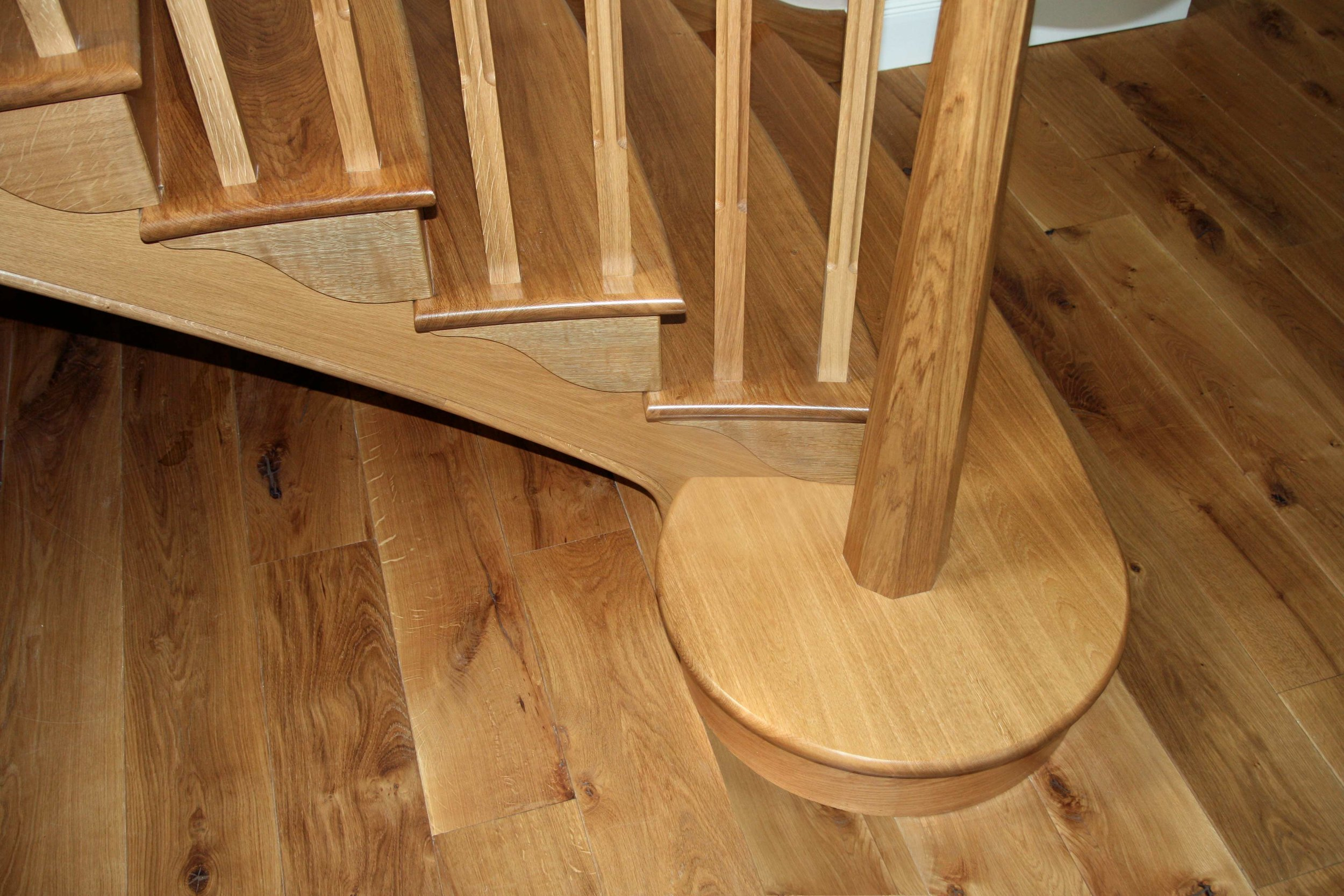 Bespoke staircase in oak, Comiston, Edinburgh.