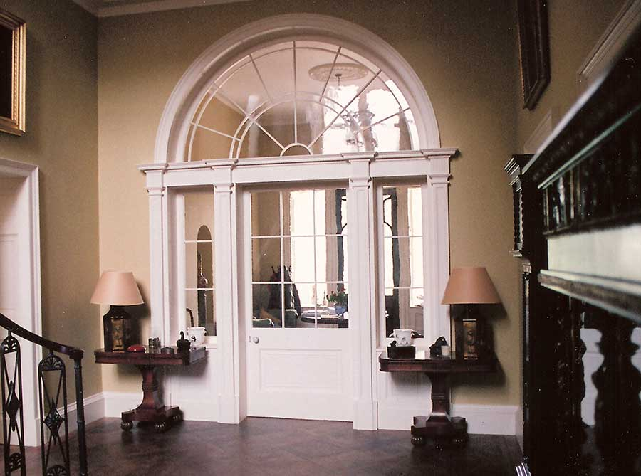 Bespoke door screen with arched fanlight, Edinburgh townhouse.