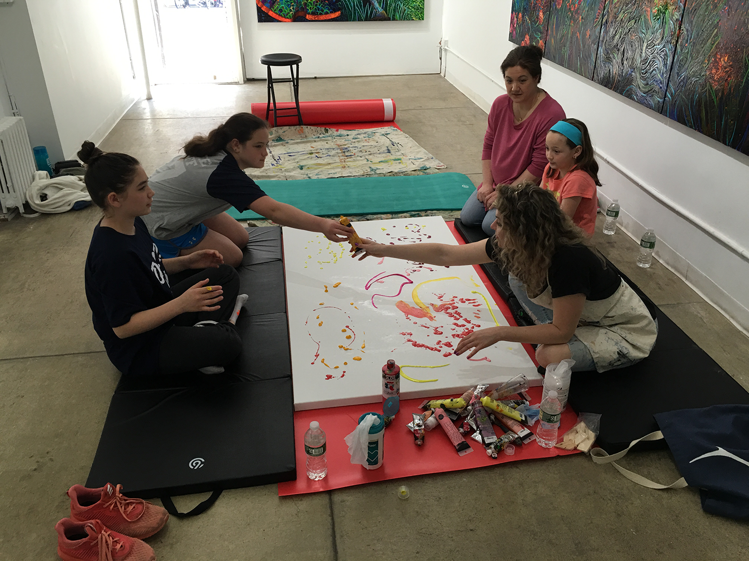 Children oil fingerpainting with Iris Scott at Filo Sofi Arts in NYC.png