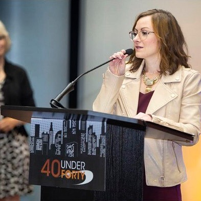 I had SO much fun giving my speech at the @hartfordbiz 40 Under 40 awards ceremony! The gist: first three words of my speech were free. Every word thereafter cost $5. The sum of all 40 speeches went to a local charity @hartford_promise which helps high-achieving Hartford students get to the college of their choice. They earned over $11k from this awesome event!▪️ I used the platform to advocate that women negotiate their salary. Too often we are willing to accept the first offer, grateful for the work. This is my own history, but I'm changing my tune. ▪️ We have the opportunity and always should negotiate for more. Benefits. Time off. Salary. Bonus. All of it. Know your worth and work it. Advocate for your value. ▪️ You are a mf'ing gem and good employers will go toe-to-toe to have you as a satisfied, high performing team member!