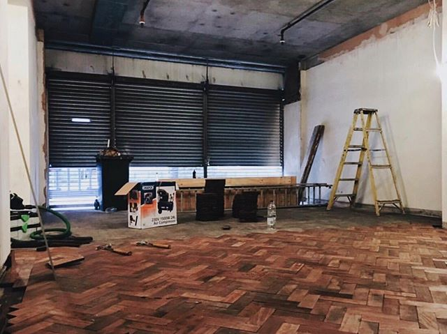 This is 1st of August 2017. Two years and 500 pictures down in to our gallery. Can you imagine the excitement when 80sqm of iroko parquet revealed itself on our forever lasting ebay treasure hunt. We drove down to Brighton, first in one van, then another van, to pick up a floor that had previously witnessed christenings, weddings, funerals and prayers. Who would've known 80sqm of a church flooring made up so many rubble bags!? We spent six weeks in a cloud of black dust, cleaning off the bitumen from every piece before forming a dreamy framed herringbone pattern on all of the ground floor. Close to all of our materials, lightings and furniture has been sourced second hand or built by friends and family. The summer of 2017 was an intense one, but we would do it all again. Sometimes we weirdly even miss this stage, where all problems could be fixed with a drill and a hammer! 🖤