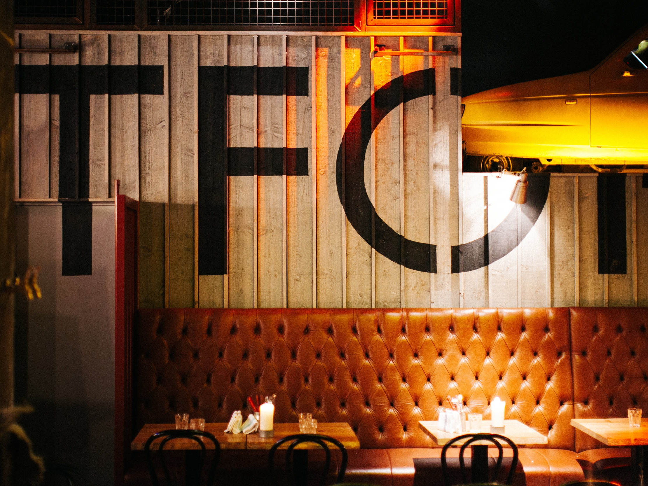 ESCAPE THE OFFICE - Our quiet, intimate back- of- house area makes the perfect setting for lunch with a client, brainstorming sessions and office days out.Pre-order ahead and we'll have your lunch ready and ready on your arrival - helping you get full value out of your time away from the desk.Simply click 'Pre-order your lunch' when making your online booking.(12-4pm, midweek only)