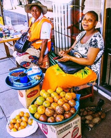 Vendors_Zim_WikiCommons.jpg