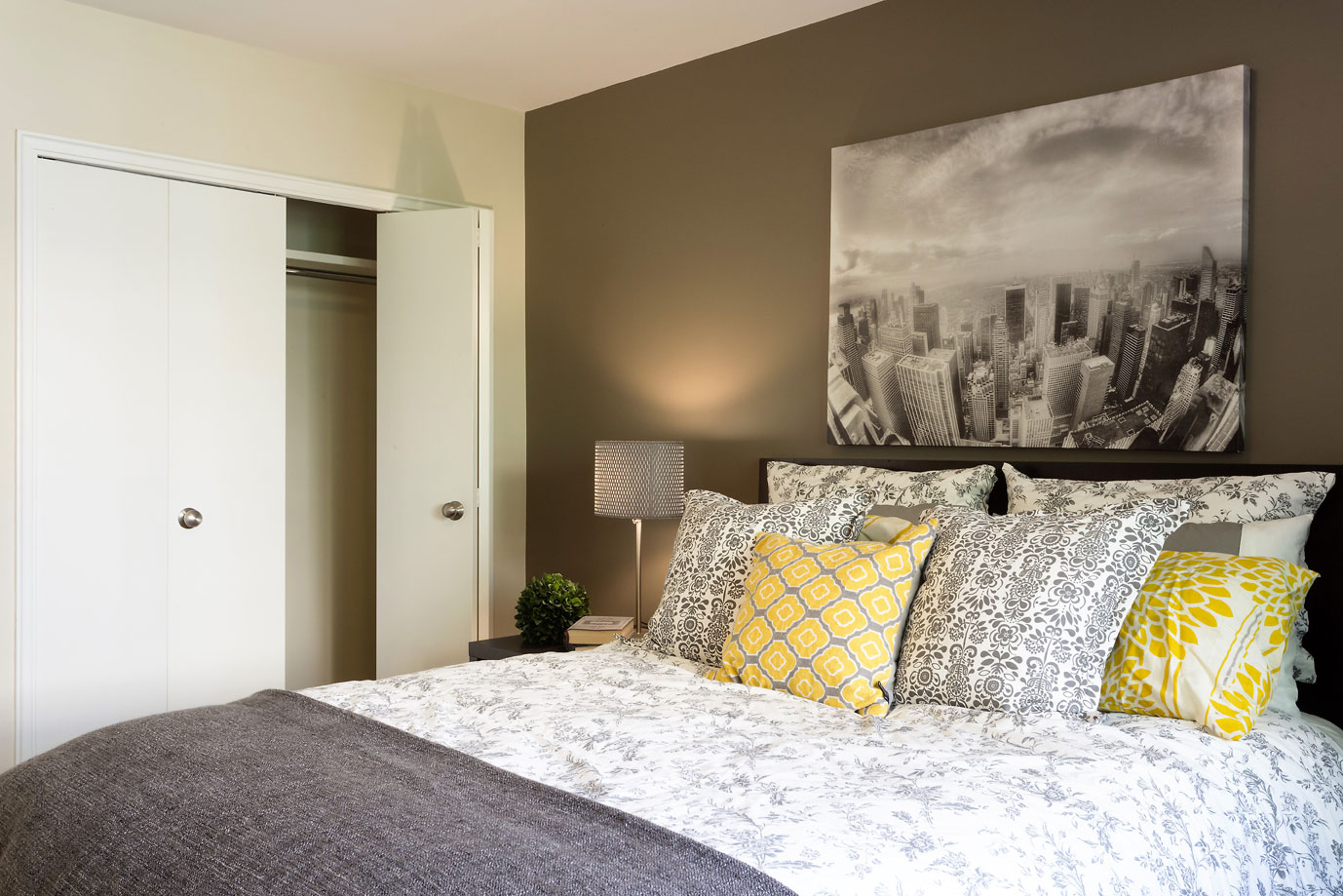 Bedroom-Closet.jpg
